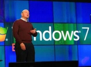 Windows 7 foi lançado em 2009 pelo então CEO Steve Ballmer