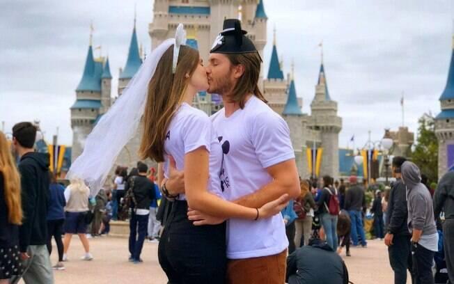 Camila Queiroz e Klebber Toledo vão se casar esse ano em Jericoacoara, na Bahia