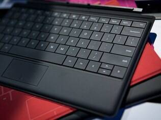 Type Cover é teclado com botões físicos e serve também como capa