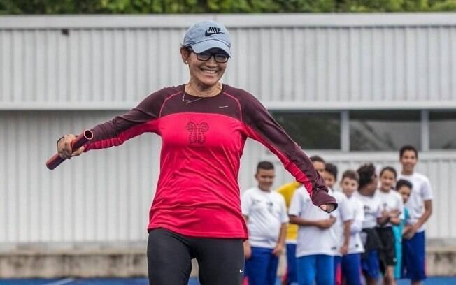 Maratonista, costureira, líder comunitária e voluntária, Neide Santos é a entrevistada da série