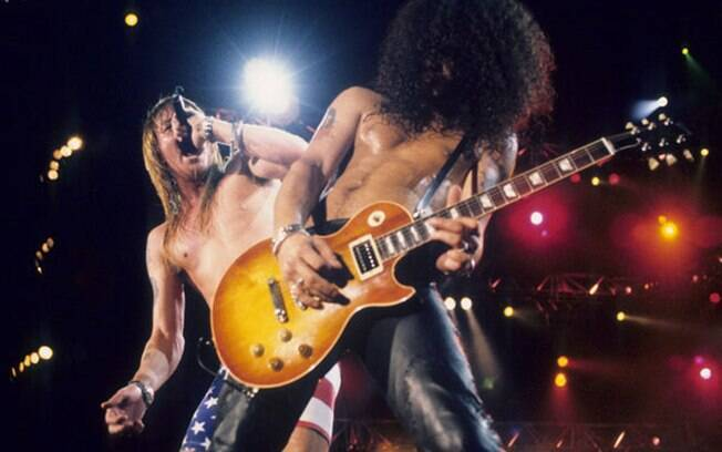 Axl Rose e Slash em show do Guns N' Roses no Rock in Rio II, em 1991