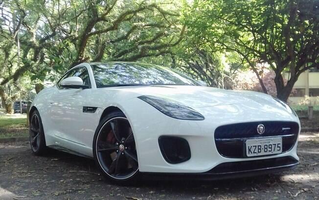 Jaguar F-Type 2.0 chega como opção mais em conta em relação ao V6 para conseguir mais apelo nas vendas