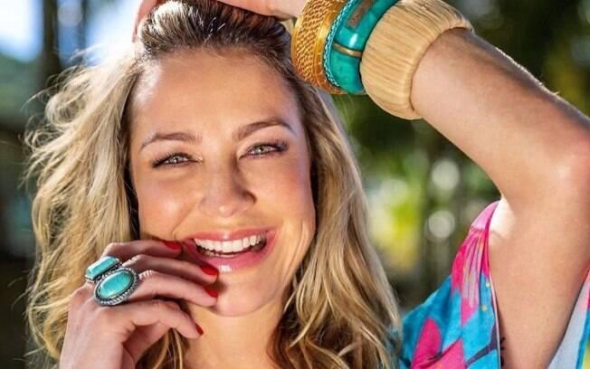 Luana Piovani curte em Ibiza