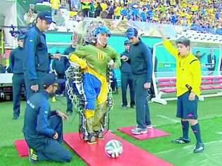 Nicolelis foi responsável pelo exoesqueleto que deu chute inicial na Copa