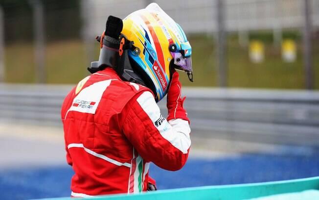 Alonso não esconde a frustração após abandono  precoce na Malásia