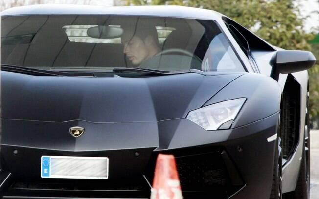 Cristiano Ronaldo e seu Lamborghini Aventador LP700-4