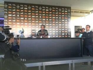 Ronaldinho só decidirá seu futuro a partir da semana que vem