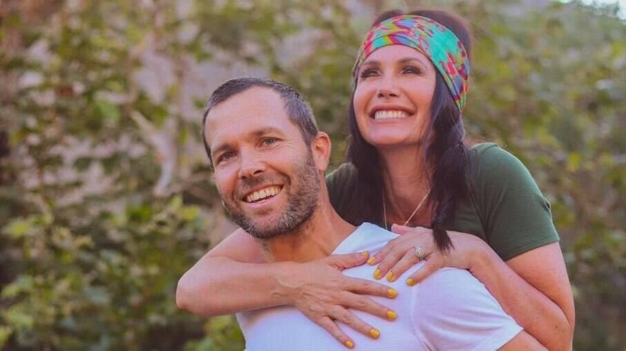 Travis e Channon Rose estão juntos há nove anos e têm dois filhos