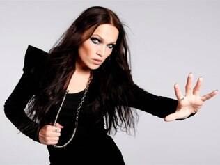 Ex-vocalista da banda Nightwish, a pianista finlandesa Tarja Turunen hoje segue em carreira solo cantora