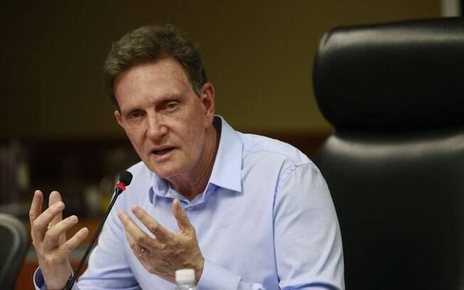 Prefeito do Rio, Marcelo Crivella diz ter usado verba de outras áreas em programas de prevenção para chuvas