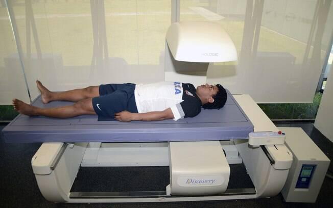 Romarinho fez exames em seu primeiro dia de  trabalho em 2013