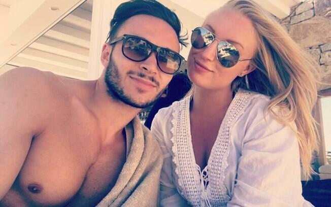 Adam Francis e Megan Winfield acham erótico fezer sexo ao ar livre