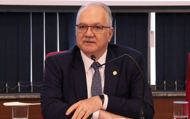 Edson Fachin quer explicações sobre decisão de Alexandre de Moraes