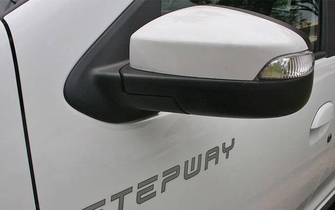 A seta piscar também no retrovisor lateral ajuda em situações em que a luz convencional está no ponto cego dos outros