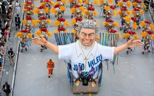 Joãosinho Trinta foi lembrado em escultura. Foto: Rafael Neddermeyer/LIGASP/Fotos Públicas