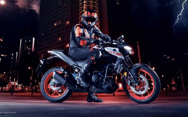 Yamaha MT-03 2021:  Novo visual, traz novos faróis e corte redesenhado nas laterais, com uma nova entrada de ar