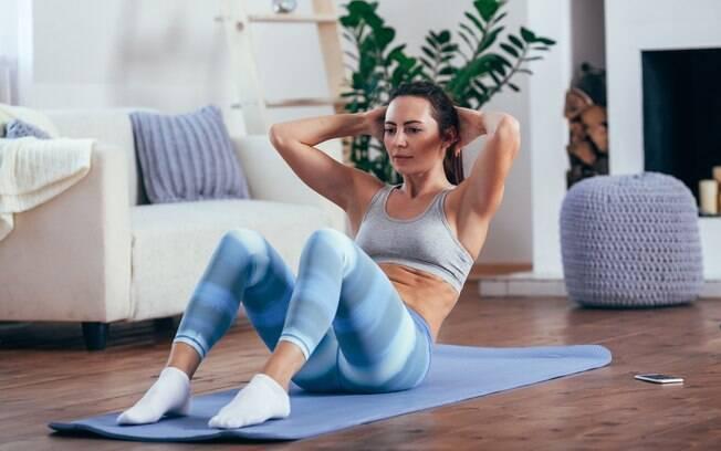 Maior mentira contada sobre treinos em casa é falar que eles não cansam e não promovem a perda de calorias