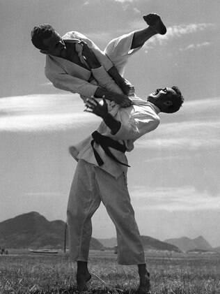 Carlos e Hélio Gracie, principais criadores do jiu-jitsu brasileiro
