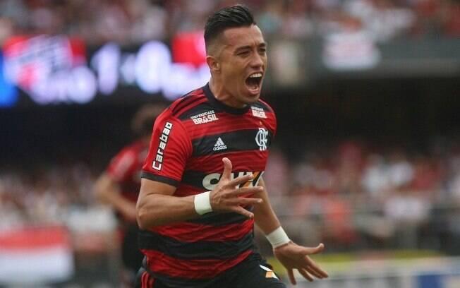 Uribe estava no Flamengo e agora reforça o Santos