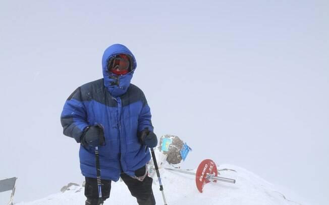 Igor conseguiu chegar ao topo do Monte Elbrus e se orgulha de ter completado o desafio