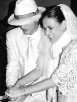 Demi Moore e o agora ex-marido Ashton Kutcher, em 2005, no dia em que se casaram