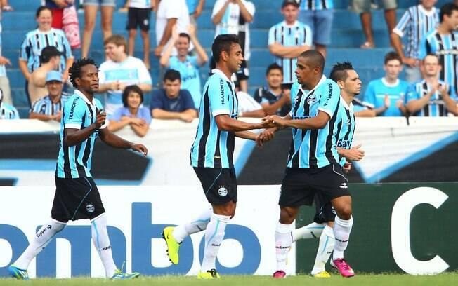 Werley comemora seu gol pelo Grêmio na  partida contra o Veranópolis