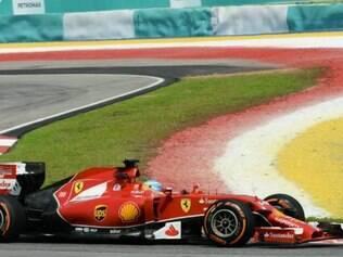 Segundo Alonso, equipe italiana está numa