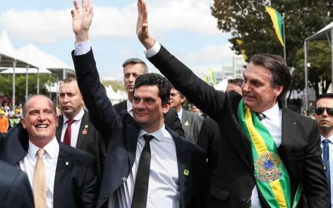 Bolsonaro e Moro em desfile de 7 de setembro em 2019, quando presidente apoiou o então ministro