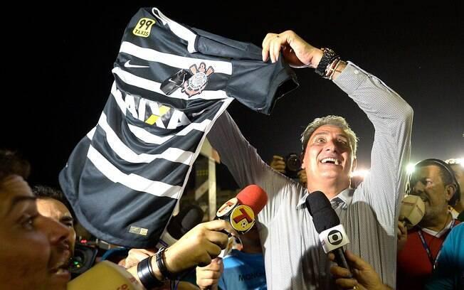 Tite comemora o título do Brasileiro de 2015 em São Januário