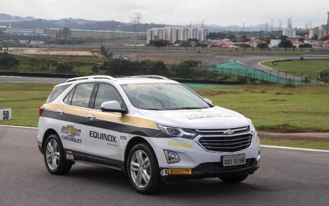 Chevrolet Equinox: veloz e robusto, tal como um bom carro-madrinha deve ser, com motor de 262 cavalos