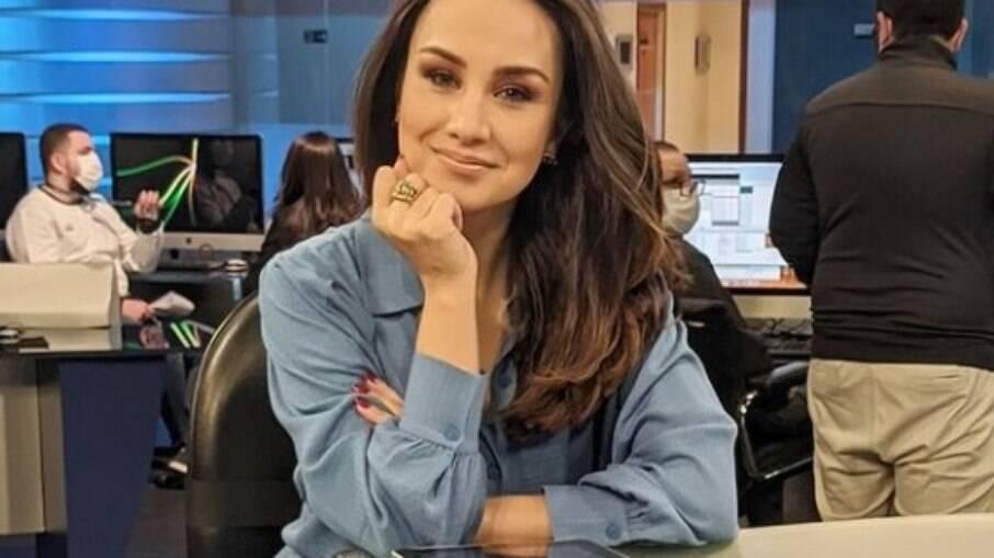 Millena Machado foi afastada do comando do RedeTV! News para tratar de um problema de saúde