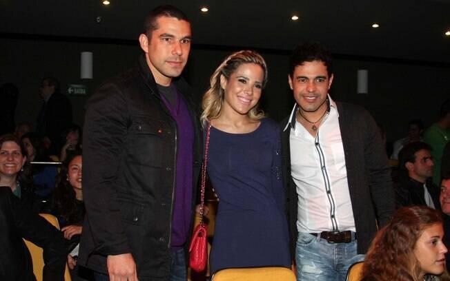 Wanessa ao lado do pa Zezé DiCamargo e do marido Marcus Buaiz