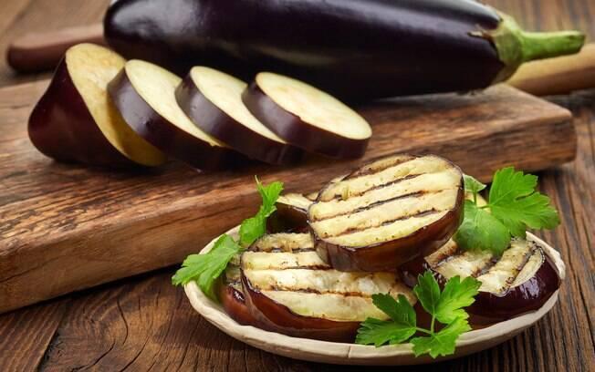 Cansou da batata doce? Aposte em outros itens com baixo índice glicêmico, como a berinjela
