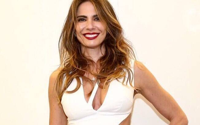 Luciana Gimenez se emociona ao ser questionada sobre fim do relacionamento e faz declaração ao esposo
