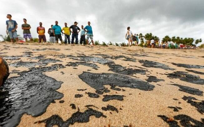 praia de alagoas e óleo