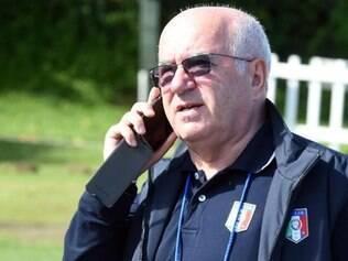 Tavecchio deve anunciar Conte nesta segunda-feira