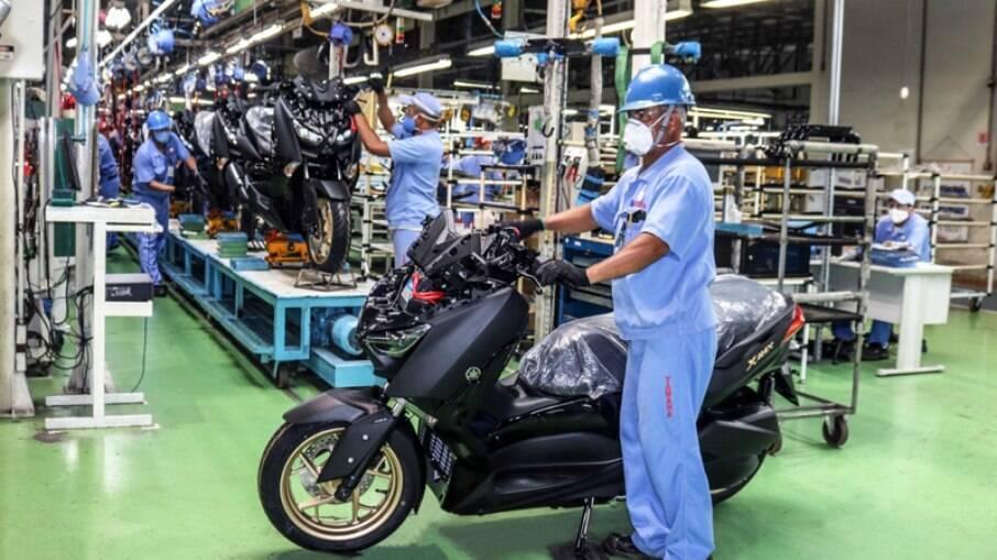 A fábrica tem mais de 40 anos no Brasil. É a segunda vez que suspende atividades no país.