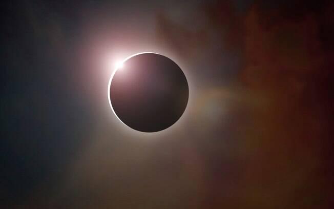 Eclipse solar que ocorre hoje pode afetar a rotina