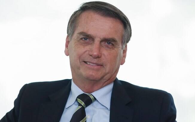 Jair Bolsonaro decidiu revogar e republicar novos  decretos que flexibilizaram a posse de armas no Brasil