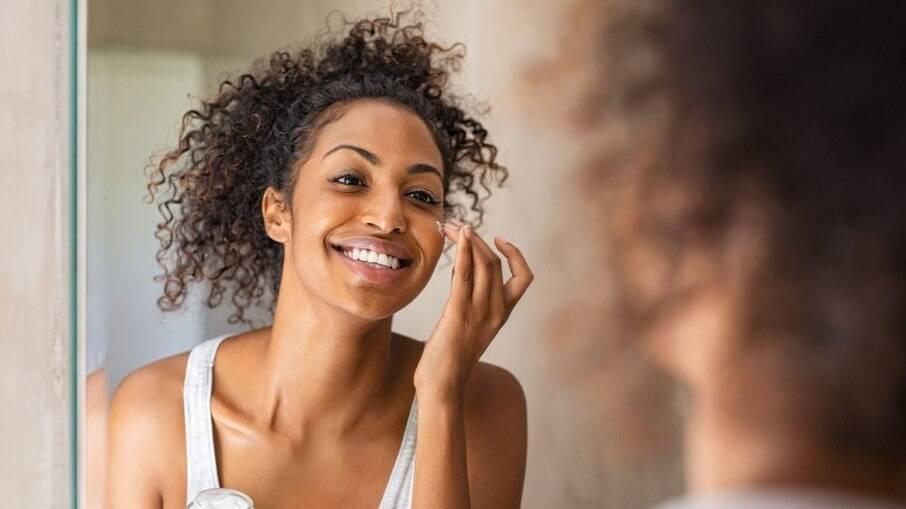 Os produtos de cuidados com a pele foram os preferidos das brasileiras em 2020, segundo a pesquisa da Avon