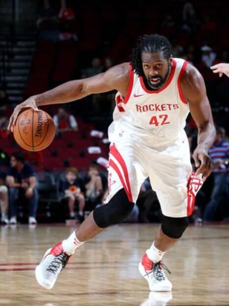 Nenê, do Houston Rockets, tem tudo para fazer mais uma boa temporada na NBA