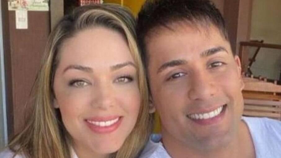 Tiago está namorando com Tânia Mara