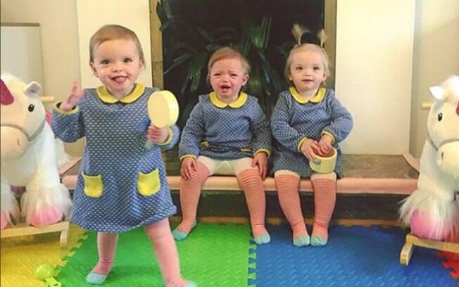 As trigêmeas Amelie, Maya-Albertine e Etta têm seus looks, cabelos e poses combinadas para criar fotos fofas