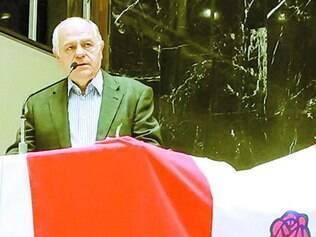 Pré-candidato tucano ao governo foi ontem à convenção do PDT