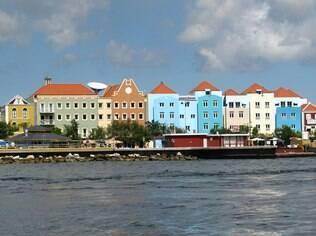 Curaçao encanta pelas cores