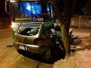 Passageiros do ônibus não ficaram feridos