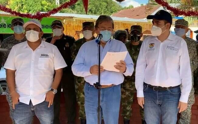 Ministro da Defesa, Carlos Holmes Trujillo, atribuiu o ataque ao ELN.