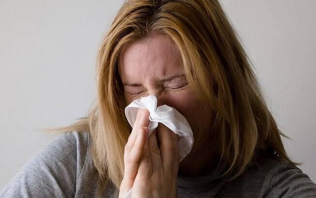 Alérgicos podem ter coriza, dificuldade para respirar, espirros frequentes e coceira no nariz e olhos durante a primavera