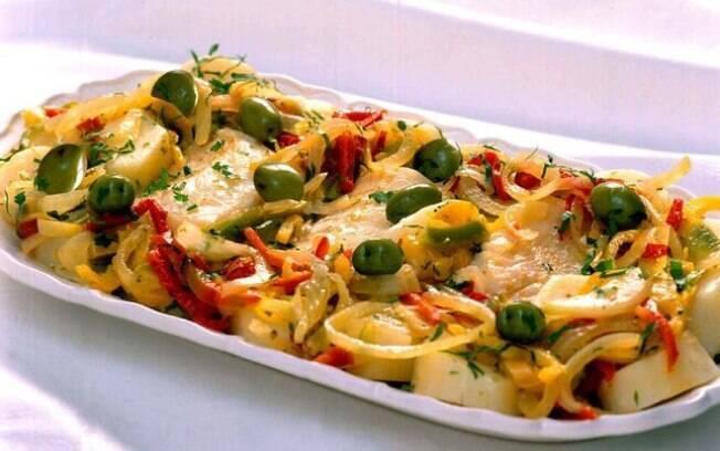 Um dos pescados mais utilizados durante a Páscoa, o bacalhau proporciona a possibilidade de fazer diversos pratos