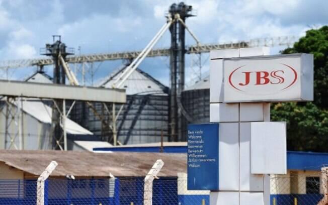 Governo Bolsonaro já gastou R$ 47 milhões em picanha e outras carnes nobres da JBS para as Forças Armadas